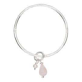 JR6RQ Melted bangle with large rose quartz and pearl